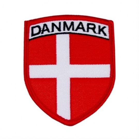 Stofmærke med dansk flag.