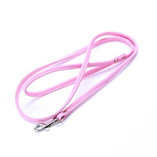 Enkelt hundeline i basic læderlook med håndtag. Måler ca. 130 cm x 10 mm.