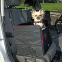 Bilsæde til små hunde mål 45 x 38 x 37 cm. sort, med lammeskindsimitation