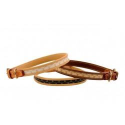 Cinopelca Halsbånd Monogram, af læder med messingspænde