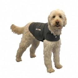 Thundershirt. T-shirten der virker beroligende på hunden.